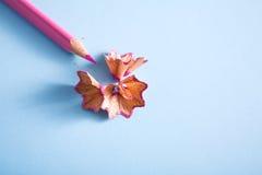 Взгляд сверху деревянных shavings карандаша цвета Стоковая Фотография