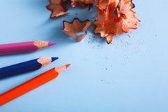 Взгляд сверху деревянных shavings карандаша цвета Стоковые Изображения