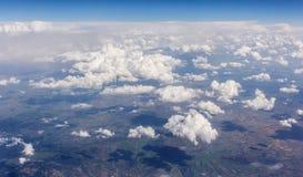 Взгляд сверху летний день облаков солнечный ясный Стоковое фото RF