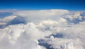 Взгляд сверху летний день облаков солнечный ясный Стоковая Фотография RF