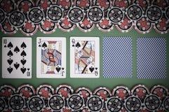 Взгляд сверху зеленой таблицы с 10, jack казино, ферзя, покрыло pl Стоковое фото RF