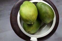 Взгляд сверху зрелых манго Стоковые Изображения RF