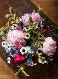 Взгляд сверху красочного букета цветков стоковая фотография