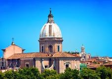 Взгляд сверху на городе. Рим. Италия стоковая фотография