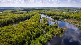 Взгляд сверху на потоке реки, aerophoto Стоковое Изображение