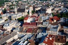 Взгляд сверху на улицах Львова от башни Стоковое Фото