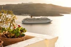 Взгляд сверху от Fira, Santorini Греции Стоковые Изображения RF