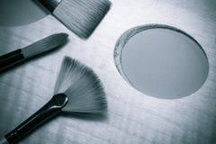Взгляд сверху палитры и щеток концепции картины маслом Стоковые Фотографии RF