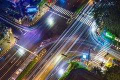 Взгляд сверху пересечения улицы в Бангкоке, Таиланде на дожде Стоковая Фотография RF