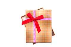 Взгляд сверху подарочной коробки с красной лентой Стоковое фото RF