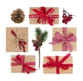 Взгляд сверху подарочных коробок и украшения изолированных на белизне Стоковое Фото