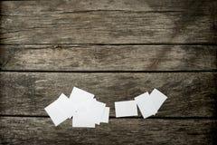 Взгляд сверху пустых белых примечаний памятки Стоковое Фото