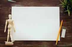 Взгляд сверху пустых бумаги и художника искусства поставляет предпосылку Стоковые Изображения RF
