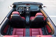 Взгляд сверху роскошного автомобиля cabriolet Стоковое Фото
