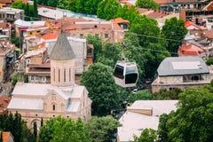 Взгляд сверху церков мамы Старый Jvaris христианской, Moving кабел-крана Стоковые Фото