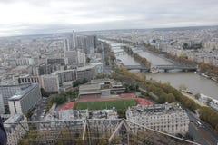 Взгляд сверху Эйфелевой башни стоковые изображения