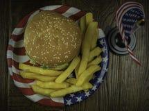 Взгляд сверху cheeseburgers Стоковая Фотография RF