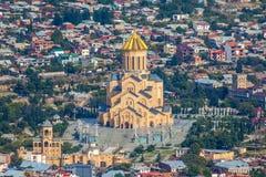 Взгляд сверху Sameba или собор святой троицы Тбилиси, Mai Стоковые Изображения