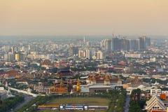 Взгляд сверху Wat Phra Kaew дворца виска Бангкока Таиланда грандиозное в перемещении туризма цвета утреннего времени популярном в Стоковые Изображения