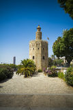 Взгляд Севильи в Испании с башней золота Стоковое Фото