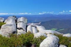Взгляд сельской местности и Альпов от национального парка буйвола держателя Стоковое фото RF