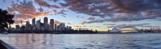 Взгляд Сидней CBD и оперный театр Стоковое Изображение