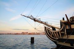 Взгляд собора Андрюа апостола заход солнца корабля sailing ландшафта 3d Стоковые Изображения RF