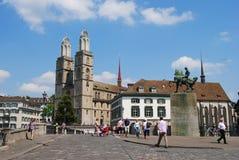 Взгляд собора Grossmunster в Цюрихе, Швейцарии стоковое фото