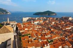 Взгляд солнечного после полудня Дубровника панорамные с гаванью и старый Стоковые Фотографии RF
