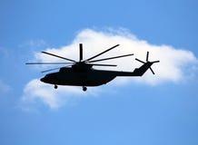 Взгляд со стороны вертолета перехода в полете Стоковое Изображение