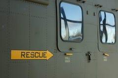 Взгляд со стороны зеленого воинского вертолета Стоковое Изображение