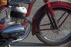 Взгляд со стороны мотоцилк ветерана Стоковая Фотография RF