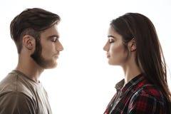Взгляд со стороны Человек и женщина смотря на один другого, глаза закрыли Стоковые Фото