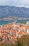 Взгляд старого городка и залива Kotor, Черногории Стоковое фото RF