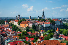 Взгляд старого городка Таллина от башни церков ` s St Olaf эстония tallinn Стоковое Изображение