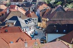 Взгляд старой жилой улицы в деревне Weissenkirchen в der Wachau Wachau-долина, Нижняя Австрия Стоковая Фотография