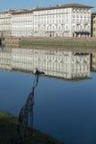 Взгляд статуи реки и жирафа Арно в Флоренсе стоковые изображения