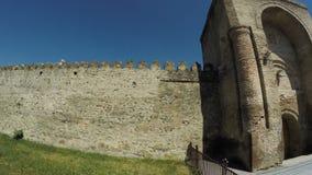 Взгляд стены Mtskheta Georgia старой каменной сток-видео