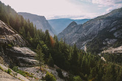 Взгляд следа падений Yosemite Невады Стоковое Изображение RF