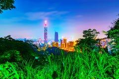 Взгляд Тайбэя от горы слона Стоковые Фото
