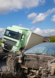 Взгляд тележки и автомобиля в аварии Стоковые Изображения RF