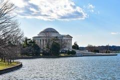 Взгляд Томас Джефферсон мемориальный от озера Вашингтон, США Стоковые Фото