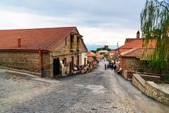 Взгляд улицы в городе Signagi или Sighnaghi Грузия Стоковая Фотография RF