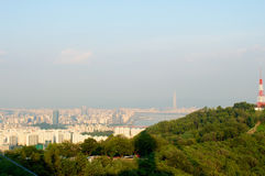 Взгляд улицы города Сеула от верхней части в лете Стоковые Изображения RF