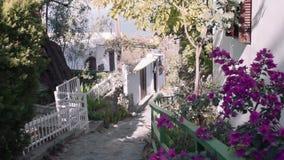 Взгляд улицы красивой деревни Кипра акции видеоматериалы