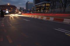 Взгляд улицы ночи и здания 1 Стоковые Изображения