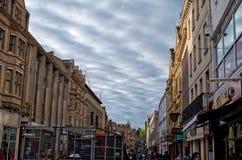 Взгляд улицы рынка в Оксфорде на пасмурном дне стоковое фото