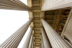Взгляд фото на историческом здании австрийского парламента стоковые фотографии rf