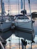 Взгляд фьорда в Норвегии яхта sailing Norwegiantravel Стоковые Изображения