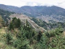 взгляд холмов страны Dazhai под облаками Стоковые Фотографии RF